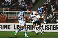 ATENÇÃO EDITOR: FOTO EMBARGADA PARA VEÍCULOS INTERNACIONAIS SÃO PAULO,SP,08 SETEMBRO 2012 - CAMPEONATO BRASILEIRO - CORINTHIANS x GREMIO - Danilo jogador do Corinthians durante partida Corinthians x Gremio válido pela 23º rodada do Campeonato Brasileiro no Estádio Paulo Machado de Carvalho (Pacaembu), na região oeste da capital paulista na noite deste sabado (08).(FOTO: ALE VIANNA -BRAZIL PHOTO PRESS)