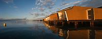 Europe/Suisse/Jura Suisse/ Neuchatel: Hôtel Palafitte construit sur le lac, par l'atelier d'architecture Kurt Hofmann.