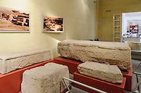 Funde aus megalithischen Tempeln im archäologischem Museum  in Valletta, Malta, Europa, Unesco-Weltkulturerbe