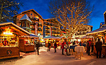Oesterreich, Tirol, internationaler Wintersportort Seefeld: Christkindlmarkt auf dem Dorfplatz | Austria, Tyrol, international Wintersport Resort Seefeld: Christmas Market at Village Square