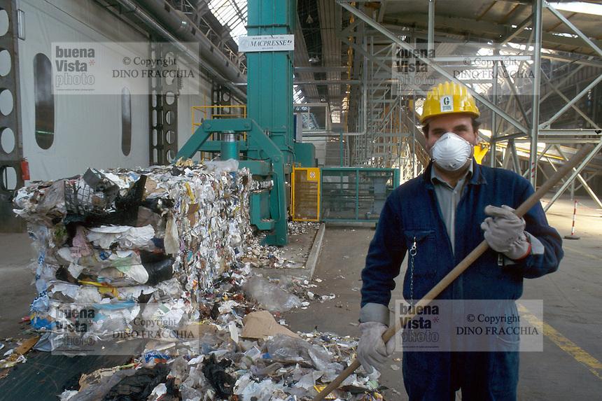 - plant for digestion and recycle of the solid urban waste, paper recover....- impianto per lo smaltimento e il riciclo dei rifiuti solidi urbani, recupero della carta