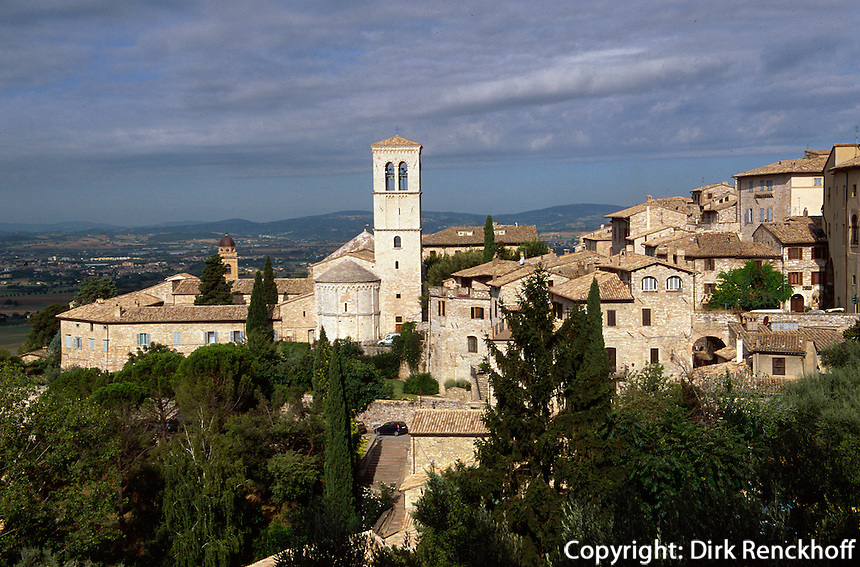 Italien, Umbrien, Blick von Basilica di Santa Chiara in Assisi