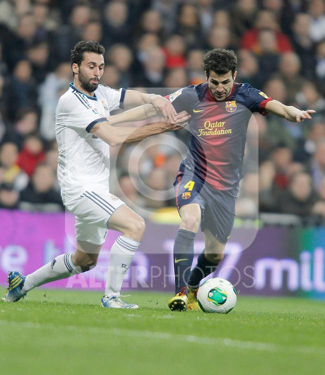 Barcelona's Cesc Fabregas against Real Madrid's Alvaro Arbeloa during Kin's Cup match. January 30, 2013. (ALTERPHOTOS/Alvaro Hernandez)
