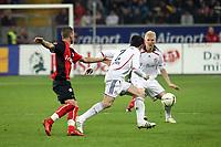 Willy Sagnol (Bayern) gegen Benjamin Koehler (Eintracht)<br /> Eintracht Frankfurt vs. FC Bayern Muenchen, Commerzbank Arena<br /> *** Local Caption *** Foto ist honorarpflichtig! zzgl. gesetzl. MwSt. Auf Anfrage in hoeherer Qualitaet/Aufloesung. Belegexemplar an: Marc Schueler, Am Ziegelfalltor 4, 64625 Bensheim, Tel. +49 (0) 6251 86 96 134, www.gameday-mediaservices.de. Email: marc.schueler@gameday-mediaservices.de, Bankverbindung: Volksbank Bergstrasse, Kto.: 151297, BLZ: 50960101