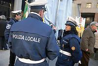 - municipal policemen during a public demonstration....- vigili urbani durante una manifestazione pubblica