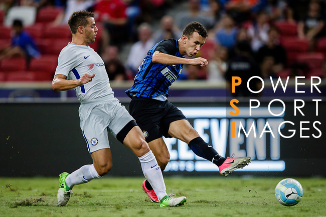 FC Internazionale Forward Ivan Perisic (R) attempts a kick to score his goal during the International Champions Cup 2017 match between FC Internazionale and Chelsea FC on July 29, 2017 in Singapore. Photo by Marcio Rodrigo Machado / Power Sport Images