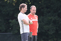 DFB-Sportdirektor Hansi Flick mit Co-Trainer Marcus Sorg beim Training - Training Deutsche Olympiamannschaft des DFB, Commerzbank Arena, Frankfurt