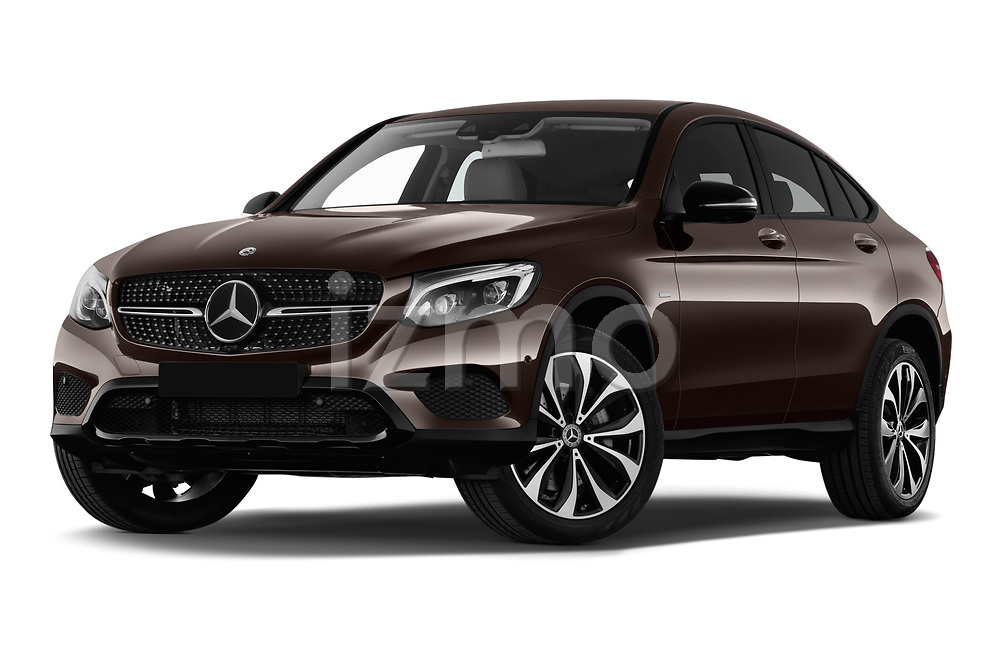 Stock pictures of low aggressive front three quarter view of a 2018 Mercedes Benz GLC Coupe 350 e 5 Door SUV