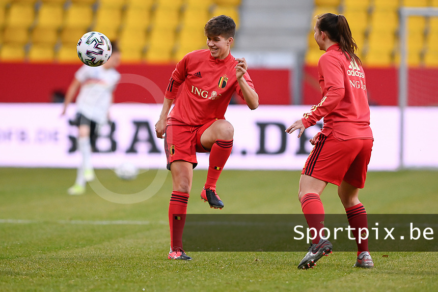 Isabelle Iliano (17) of Belgium  pictured during the warming up of a friendly female soccer game between the national teams of Germany and  Belgium , called the Red Flames  in a pre - bid tournament called Three Nations One Goal with the national teams from Belgium , The Netherlands and Germany towards a bid for the hosting of the 2027 FIFA Women's World Cup , on Sunday 21 st of February 2021  in Aachen , Germany . PHOTO SPORTPIX.BE | SPP | STIJN AUDOOREN