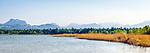 Deutschland, Bayern, Oberbayern, Chiemgau, bei Rosenheim: Blick ueber den Simssee in die Chiemgau Alpen   Germany, Upper Bavaria, near Rosenheim: view across Lake Simssee towards Chiemgau Alps