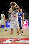 Real Madrid´s Sergio Rodriguez and Anadolu Efes´s Dogus Balbay during 2014-15 Euroleague Basketball Playoffs second match between Real Madrid and Anadolu Efes at Palacio de los Deportes stadium in Madrid, Spain. April 17, 2015. (ALTERPHOTOS/Luis Fernandez)