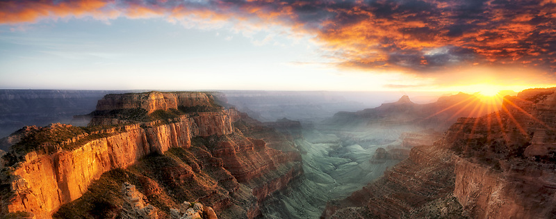 Sunset st Point Royal with Wotons Throne. Grand Canyon national Psrk, Arizona