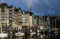 Europe/France/Normandie/Basse-Normandie/14/Calvados/Honfleur: Le port et le vieux bassin