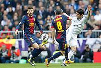 MADRI, ESPANHA, 02 MARÇO 2013 - CAMPEONATO ESPANHOL - REAL MADRID X BARCELONA - Kaka (C ) jogador do Real Madrid durante partida contra o Barcelona  em partida pela 26 rodada do Campeonato Espanhol, no Estadio Santiago Bernabeu em Madri capital da Espanha neste sabado, 02, no Estadio. (FOTO: ALEX CID-FUENTES / ALFAQUI / BRAZIL PHOTO PRESS).