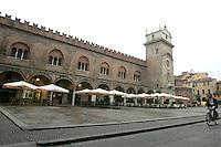Una veduta di Piazza delle Erbe a Mantova.<br /> Piazza delle Erbe in Mantua.<br /> UPDATE IMAGES PRESS/Riccardo De Luca