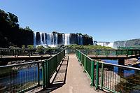 FOZ DO IGUAÇU, PR - 24.03.2020 – CORONAVIRUS-PR – Imagem da passarela do Parque Nacional do Iguaçu totalmente vazio na manhã desta terça-feira (24).O parque continua fechado para o público até a segunda ordem. Fato ocorre devido ao COVID-19. (Foto: Paulo Lisboa/Brazil Photo Press)