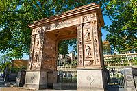 Triumphtor, historischer Winzerberg, Potsdam, Brandenburg, Deutschland