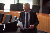53. Sitzungstag des NSA-Untersuchungsausschuss am Donnerstag den 12. Juni 2015.<br /> Im Bild: Ernst Uhrlau als Zeuge vor dem Untersuchungsausschuss. Von 2005 bis 2011 war er Praesident des Bundesnachrichtendienst (BND).<br /> Zuvor war Uhrlau ab Ministerialdirektor 1998 als Leiter der AbteilungVI (Bundesnachrichtendienst, Koordinierung der Nachrichtendienste des Bundes) im Bundeskanzleramt.<br /> Seit Februar 2012 ist er freiberuflicher der Deutschen Bank.<br /> 12.6.2015, Berlin<br /> Copyright: Christian-Ditsch.de<br /> [Inhaltsveraendernde Manipulation des Fotos nur nach ausdruecklicher Genehmigung des Fotografen. Vereinbarungen ueber Abtretung von Persoenlichkeitsrechten/Model Release der abgebildeten Person/Personen liegen nicht vor. NO MODEL RELEASE! Nur fuer Redaktionelle Zwecke. Don't publish without copyright Christian-Ditsch.de, Veroeffentlichung nur mit Fotografennennung, sowie gegen Honorar, MwSt. und Beleg. Konto: I N G - D i B a, IBAN DE58500105175400192269, BIC INGDDEFFXXX, Kontakt: post@christian-ditsch.de<br /> Bei der Bearbeitung der Dateiinformationen darf die Urheberkennzeichnung in den EXIF- und  IPTC-Daten nicht entfernt werden, diese sind in digitalen Medien nach §95c UrhG rechtlich geschuetzt. Der Urhebervermerk wird gemaess §13 UrhG verlangt.]