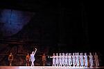 BALLET DU THEATRE BOLCHOI..SPARTACUS PROGRAMME 3..Auteur : GIOVANOLI Raffaello..Choregraphie : GRIGOROVITCH Iouri..Orchestre : Orchestre Colonne..Decor : VIRSALADZE Simon..Costumes : VIRSALADZE Simon..Avec :..KAPTSOVA Nina..Lieu : Opera Garnier..Ville : Paris..Le : 18 01 2008....© Laurent Paillier Agence Enguerand....