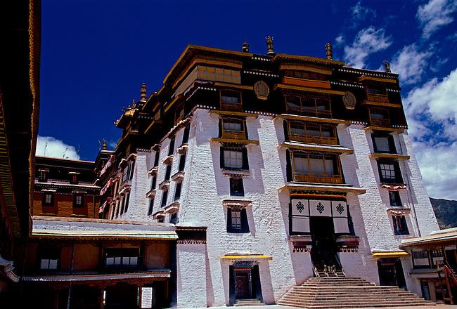 White Palace at Potala Palace, Dalai Lamas winter residence, Lhasa, Tibet Autonomous Region, China, Asia