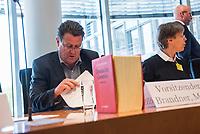 """Am Montag den 14. Mai 2018 wurde in der 10. Sitzung des Ausschuss fuer Recht und Verbraucherschutz des Deutschen Bundestag in einer oeffentlichen Anhoerung ueber einen Gesetzentwurf der Fraktionen der CDU/CSU und SPD """"Entwurf eines Gesetzes zur Aenderung des Gesetzes, betreffend die Einfuehrung der Zivilprozessordnung"""" beraten.<br /> Im Bild: Der Ausschussvorsitzende Stephan Brandner von der Rechtspartei """"Alternative fuer Deutschland"""", AfD. Vor Brandner steht die Textsammlung """"Deutsche Gesetze"""".<br /> 14.5.2018, Berlin<br /> Copyright: Christian-Ditsch.de<br /> [Inhaltsveraendernde Manipulation des Fotos nur nach ausdruecklicher Genehmigung des Fotografen. Vereinbarungen ueber Abtretung von Persoenlichkeitsrechten/Model Release der abgebildeten Person/Personen liegen nicht vor. NO MODEL RELEASE! Nur fuer Redaktionelle Zwecke. Don't publish without copyright Christian-Ditsch.de, Veroeffentlichung nur mit Fotografennennung, sowie gegen Honorar, MwSt. und Beleg. Konto: I N G - D i B a, IBAN DE58500105175400192269, BIC INGDDEFFXXX, Kontakt: post@christian-ditsch.de<br /> Bei der Bearbeitung der Dateiinformationen darf die Urheberkennzeichnung in den EXIF- und  IPTC-Daten nicht entfernt werden, diese sind in digitalen Medien nach §95c UrhG rechtlich geschuetzt. Der Urhebervermerk wird gemaess §13 UrhG verlangt.]"""