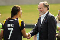 Shannon Boxx (7) of the Los Angeles Sol shakes hands with New Jersey Governor Jon Corzine before the start of the game. The Los Angeles Sol defeated Sky Blue FC 2-0 during a Women's Professional Soccer match at TD Bank Ballpark in Bridgewater, NJ, on April 5, 2009. Photo by Howard C. Smith/isiphotos.com