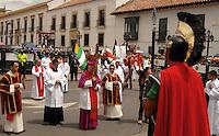 TUNJA -COLOMBIA. 18-04-2014. La procesión del Viacrucis forma parte de las actividades de la Semana Santa y se lleva a cabo por las principales calles de Tunja, Colombia, hoy 18 de abril de 2014./ Procession Way of the Cross takes place on the streets of Tunja, Colombia, today April 18 of 2014, along the main streets of Tunja and is one of the  events of the Easter Week. Photo:  VizzorImage/ José Miguel Palencia / Str
