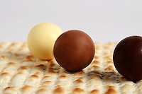 Matza with chocolate