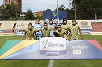 RIONEGRO - COLOMBIA, 11-04-2021: Jugadores de Águilas posan para una foto previo al partido por la fecha 18 entre Águilas Doradas Rionegro y Boyacá Chicó F.C. como parte de la Liga BetPlay DIMAYOR I 2021 jugado en el estadio Alberto Grisales de la ciudad de Rionegro. / Players of Aguilas pose to a photo prior Match for the date 18 between Aguilas Doradas Rionegro and Boyaca Chico F.C. as part BetPlay DIMAYOR League I 2021 played at Alberto Grisales stadium in Rionegro city. Photo: VizzorImage / Juan Agusto Cardona / Cont