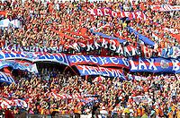 MEDELLÍN -COLOMBIA-26-02-2017: Hinchas del Medellín animan a su equipo durante el encuentro entre Independiente Medellín y Tigres FC por la fecha 6 de la Liga Águila I 2017 jugado en el estadio Atanasio Girardot de la ciudad de Medellín. / Fans of Medellin cheer for their team during match between Independiente Medellin and Tigres FC for date 6 of the Aguila League I 2017  at Atanasio Girardot stadium in Medellin city. Photo: VizzorImage/ León Monsalve /Str