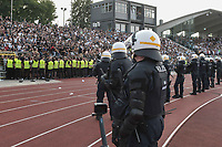 Die Polizei sorgt fuer Ordnung , SSV Ulm 1846 - Eintracht Frankfurt, Football, DFB-Pokal,round 1, 18.08.2018<br />DFB RULES PROHIBIT USE IN MMS SERVICES VIA HANDHELD DEVICES UNTIL TWO HOURS AFTER A MATCH AND ANY USAGE ON INTERNET OR ONLINE MEDIA SIMULATING VIDEO FOOdayE DURING THE MATCH. *** Local Caption *** © pixathlon<br /> Contact: +49-40-22 63 02 60 , info@pixathlon.de