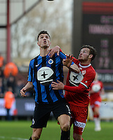 KV Kortrijk - Club Brugge : duel tussen Thomas Meunier (links) en Kristof D'Haene (r) <br /> Foto VDB / Bart Vandenbroucke