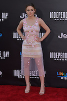 Joey King @ the premiere of 'Independence Day: Resurgence' held @ the Chinese theatre.<br /> June 20, 2016.