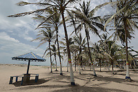 RIOHACHA -COLOMBIA. 30-05-2014. Kiosko en la playa sobre la avenida primera o de La Marina en Riohacha capital del Departamento de la Guajira, Colombia. / Kiosko on the beach over the first avenue or La Marina at Riohacha capital of the deparment of Guajira, Colombia. Photo: VizzorImage/ Gabriel Aponte / Staff
