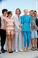 """CANNES, FRANCE - JULY 13: French-Us actor Timothee Chalamet, French-Algerian actress Lyna Khoudri, Us director Wes Anderson, British actress Tilda Swinton, Us actor Bill Murray, Us actor Benicio Del Toro at photocall for the film """"The French Dispatch"""" at the 74th annual Cannes Film Festival in Cannes, France on July 13, 2021 <br /> CAP/GOL<br /> ©GOL/Capital Pictures"""