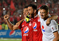 CALI -COLOMBIA-10-12-2016: Jugadores del América de Cali celebran el título cómo campeones del Torneo Águila 2016 después del encuentro final de vuelta con Tigres FC jugado en el estadio Pascual Guerrero de la ciudad de Cali. / Players of América Cali celebrates as Champions of the Aguila Tournament 2016  after  final second leg match against Tigres FC played at Pascual Guerrero stadium in Cali. Photo: VizzorImage/ NR / Cont