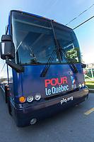 Jean Charest visite GE Power, le 20 aout 2012, a La Prairie <br /> <br /> PHOTO :  Agence Quebec Presse
