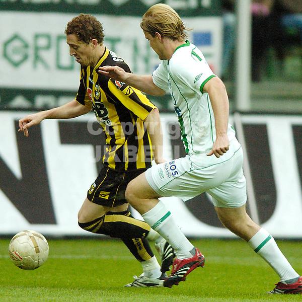 groningen - vitesse  eredivisie seizoen 2007-2008 04-11- 2007 swerts met stenman *** Local Caption ***