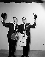 Les Jerolas - Jean Lapointe et Jerome Lemay<br />  1966<br /> <br /> Photographe : Photo Moderne - Agence Quebec Presse