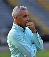 IBAGUÉ - COLOMBIA, 18-02-2018:Alexis Mendoza director técnico del Atlético Junior  comtra el Atlético Huila durante partido por la fecha 4 de la Liga Águila I 2018 jugado en el estadio Manuel Murillo Toro de la ciudad de Ibagué. / Alexis Mendoza coach of Atletico Junior during match agaisnt Atletico Huila match for the date 4 of the Aguila League I 2018 played at Manuel Murillo Toro in Ibague city. VizzorImage / Juan Carlos Escobar / Contribuidor