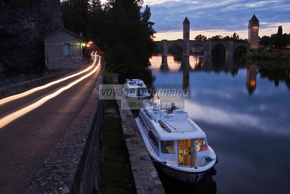 Europe/Europe/France/Midi-Pyrénées/46/Lot/Cahors: Le Pont Valentré et tourisme fluvial
