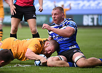 31st August 2020; Recreation Ground, Bath, Somerset, England; English Premiership Rugby, Tom West of Wasps dives over to score a try under pressure from Sam Underhill of Bath