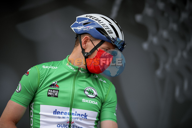 Green Jersey Sam Bennett (IRL) Deceuninck-Quick Step at sign on before Stage 6 of Paris-Nice 2021, running 202.5km from Brignoles to Biot, France. 12th March 2021.<br /> Picture: ASO/Fabien Boukla | Cyclefile<br /> <br /> All photos usage must carry mandatory copyright credit (© Cyclefile | ASO/Fabien Boukla)