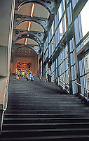 London: Sainsbury Wing of National Gallery--Grand Staircase. Robert Venturi.
