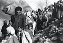 Iraq 1991 The Iraqi Kurds on their way to the Turkish border fleeing from the iraqi army<br /> Irak 1991 Les kurdes irakiens en route vers la frontiere turque fuyant l'armée irakienne