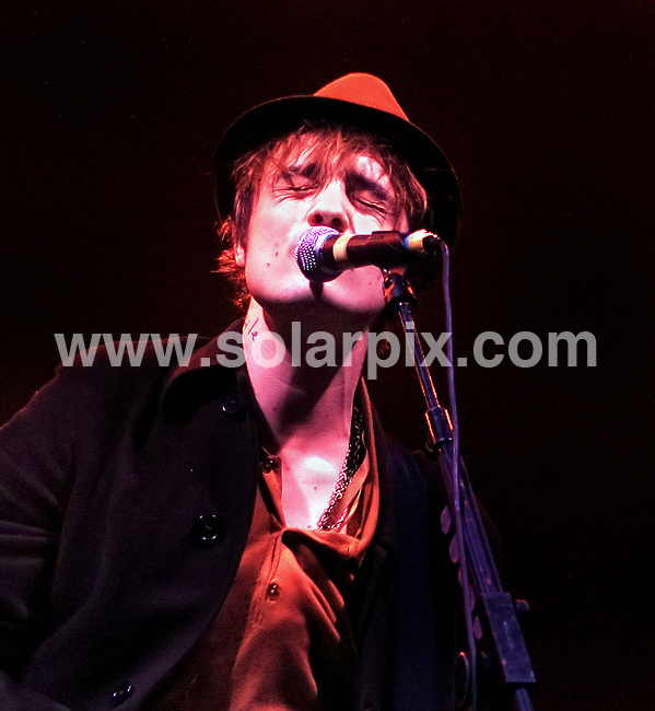 **ALL ROUND PICTURES FROM SOLARPIX.COM**.**WORLDWIDE SYNDICATION RIGHTS**.Pete Doherty performing with his band Babyshambles at Manchester Apollo, Friday 10th February 2008..JOB REF: 5780 SGD     DATE: 10_02_2008.**MUST CREDIT SOLARPIX.COM OR DOUBLE FEE WILL BE CHARGED* *UNDER NO CIRCUMSTANCES IS THIS IMAGE TO BE REPRODUCED FOR ANY ONLINE EDITION WITHOUT PRIOR PERMISSION*