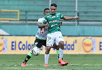 PALMIRA - COLOMBIA, 07-10-2020: Andres Arroyo del Cali disputa el balón con Joan Castro del Equidad durante partido entre Deportivo Cali y La Equidad por la fecha 12 de la Liga BetPlay DIMAYOR I 2020 jugado en el estadio Deportivo Cali de la ciudad de Palmira. / Andres Arroyo of Cali vies for the ball with Joan Castro of Equidad during match between Deportivo Cali and La Equidad for the date 12 as part of BetPlay DIMAYOR League I 2020 played at Deportivo Cali stadium in Palmira city.  Photo: VizzorImage / Gabriel Aponte / Staff