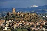 Europe/France/Auvergne/43/Haute-Loire/Env. du Puy-en-Velay/Polignac: Le village et le  Château