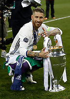 Calcio, Champions League: finale Juventus vs Real Madrid. Cardiff, Millennium Stadium, 3 giugno 2017.<br /> Real Madrid's Sergio Ramos poses with the trophy at the end of the Champions League final match between Juventus and Real Madrid at Cardiff's Millennium Stadium, Wales, June 3, 2017. Real Madrid won 4-1.<br /> UPDATE IMAGES PRESS/Isabella Bonotto