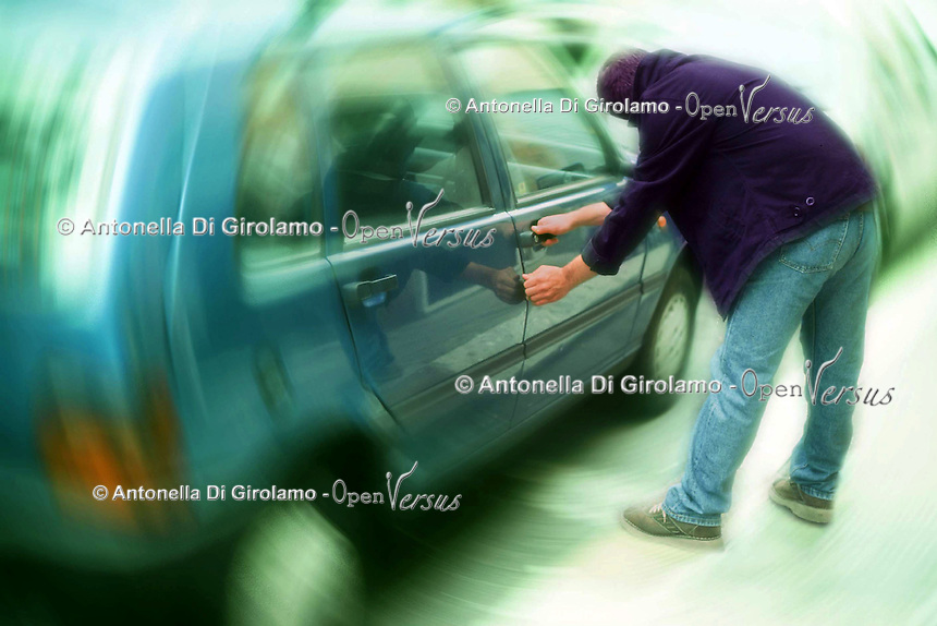 Disagio sociale.Social disease.Furti di automobili. Thefts of cars......